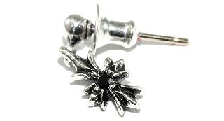 クロムハーツ(Chrome Hearts)ピアス タイニーE CH+ D1/ブラックダイアモンド 【クロム・ハーツ】【クロムハーツ財布】【名古屋】
