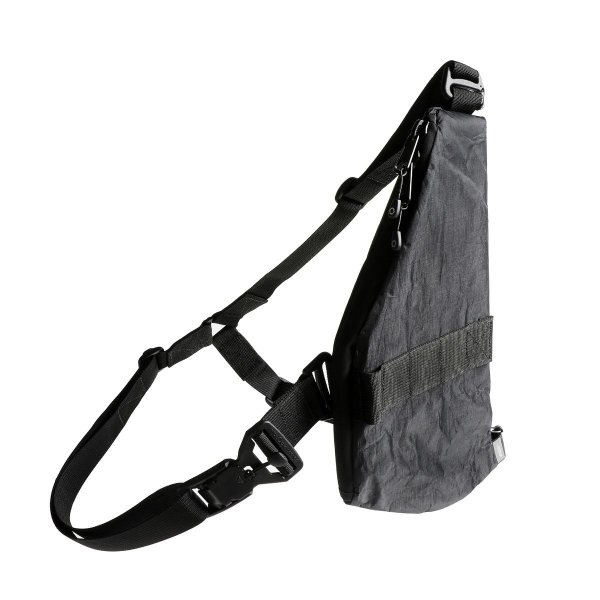 UNIT VERTICAL POUCH - BLACK