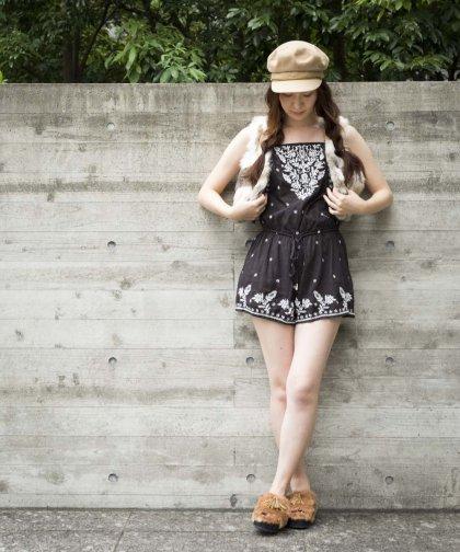 【LADIES】STAR MELA Embroidery  / ブラック ミニワンピース