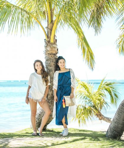 <img class='new_mark_img1' src='//img.shop-pro.jp/img/new/icons14.gif' style='border:none;display:inline;margin:0px;padding:0px;width:auto;' />【LADIES】Lilly&Emma×earth ビジューロゴプルオーバー