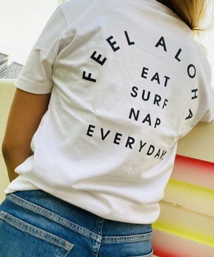 <ハワイ店限定!特別入荷>【UNISEX】FEEL ALOHA  Eat,Surf,NapTシャツ