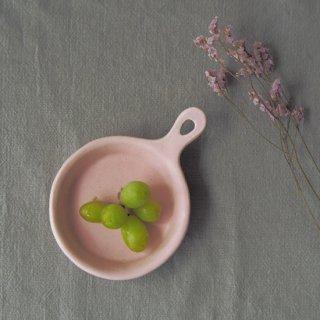 マカロンピンク・フライパンの皿