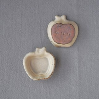 zakka・りんご豆小皿-アイボリー
