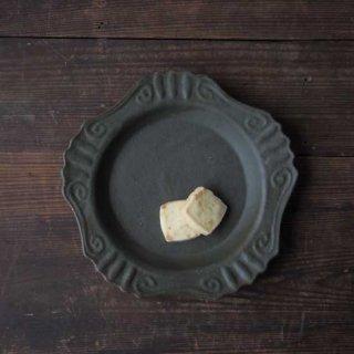 オリーブグリーン・丸ロココ皿