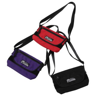 <img class='new_mark_img1' src='//img.shop-pro.jp/img/new/icons50.gif' style='border:none;display:inline;margin:0px;padding:0px;width:auto;' />CODE PO10H LOGO Mini Messenger Bag
