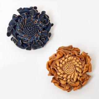 花のコサージュ/レザーヌメ革