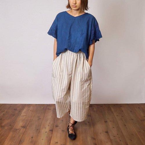 『夏の福袋』刺繍フリルスリーブTシャツ(インディゴ) + ハーフリネン七分丈バルーンパンツ(ストライプ)