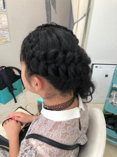 ブラックヘアニュアンスのヘアセット【画像2】