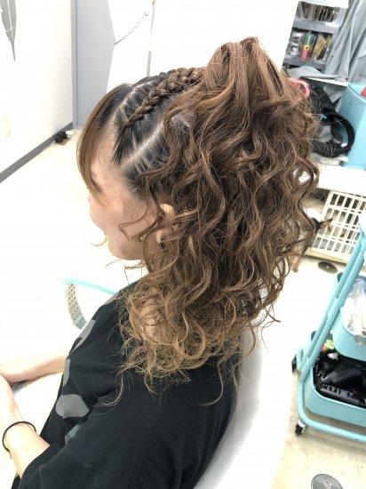 ブラックヘアニュアンスのヘアセット 50min