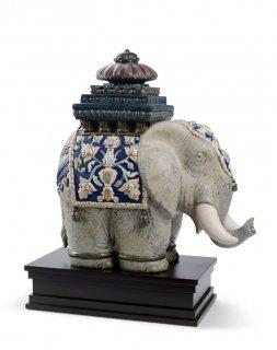 リヤドロ 人形  『タイの象  01001937 SIAMESE ELEPHANT』