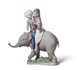 リヤドロ 人形  『象にまたがって  01005352 HINDU CHILDREN』
