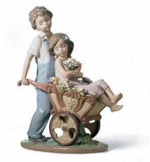 リヤドロ 人形  『君が好き!  01006850 THE PRETTIEST OF ALL』