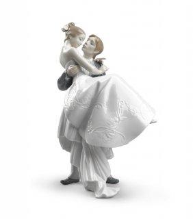 リヤドロ 人形  『永遠の愛  01008029 THE HAPPIEST DAY』