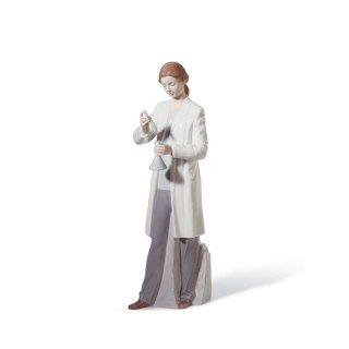 リヤドロ 人形  『未知への挑戦  01008152 IN THE LABORATORY』