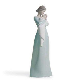 リヤドロ 人形  『母の抱擁  01018218 A MOTHER'S EMBRACE』