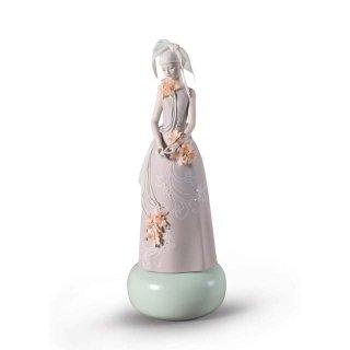リヤドロ 人形  『オート・アリュール(高貴)  01009359 Haute Allure Exclusive Model Woman Figurine. Limited Edition』