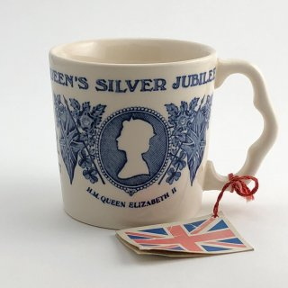 A-001 ER  Coronation cup mug Queen Elizabeth Jubilee celebration
