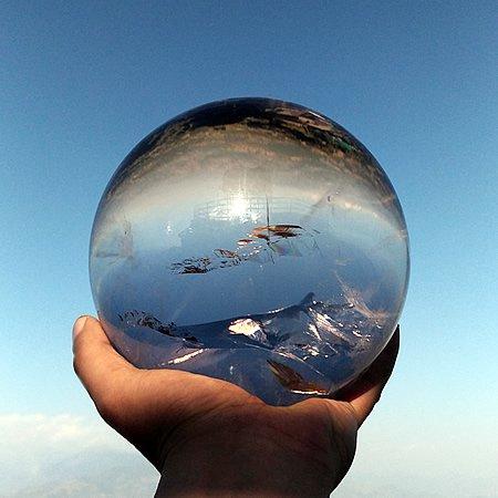 ヒマラヤ水晶丸玉5.8kg<br>Ganesh Himal crystal sphere 5.8kg Masterpiece
