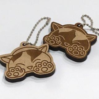 かわいいにゃんこキーホルダー 選べる2デザイン オリジナルイラスト 猫ネコグッズ 縦4cm×横5cm 木製 MDF6mm厚