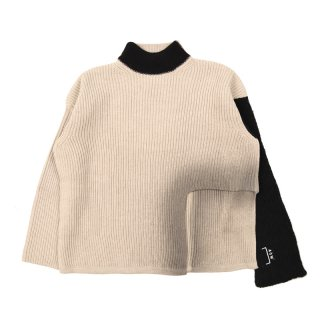 RIGHT ANGLE KNIT SWEATER