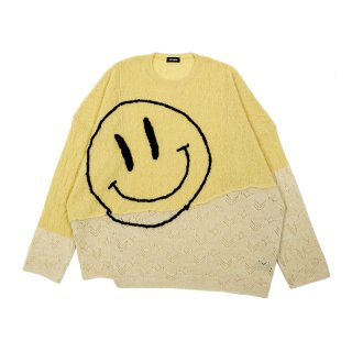 COLLAGE OVERSIZED SWEATER WHITH SMILEY