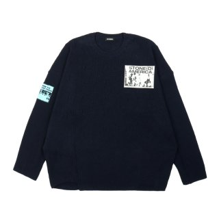 OVERSIZED ROUNDNECK SWEATER WHITH PATCHES