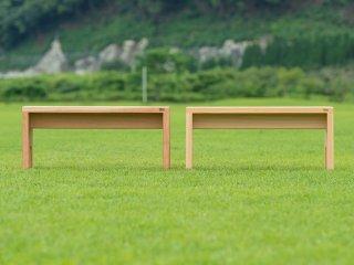 一枚板を使用しているので座面に隙間がなく、座った時に痛くないベンチ