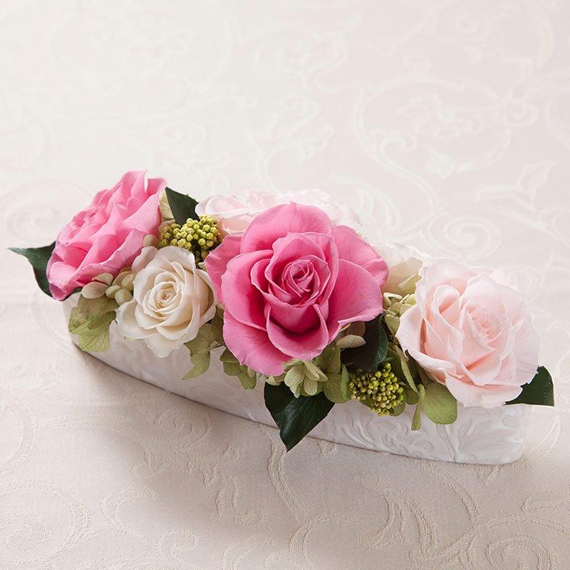 ピンクのバラのプリザーブドフラワーのテーブルアレンジ PATRICIA (PINK)