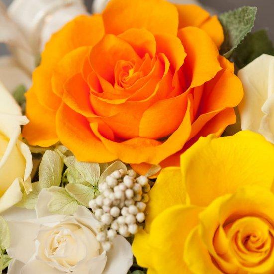 黄色のバラのプリザーブドフラワーのフラワーアレンジメント MARY(黄色)