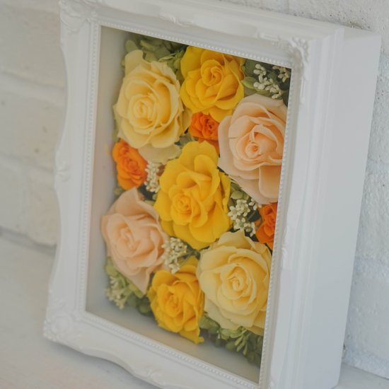 黄色のプリザーブドフラワー 壁掛け豪華なボックスフレームアレンジメント ヨーロピアン (イエロー) ※ギフトタイプ2