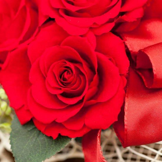 ピンクのバラのプリザーブドフラワーのピアノアレンジ  ピアノ(赤)