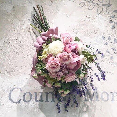 ラベンダーピンクのグラデーションが美しい高級造花のバラのブーケ