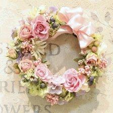 ブライダルピンクのバラのプリザーブドフラワーのフラワーリース
