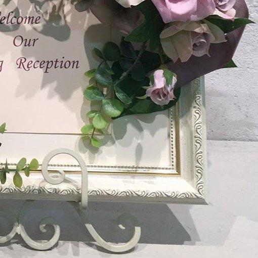 ピンクのプリザーブドフラワーのバラと高級造花のウェルカムボード