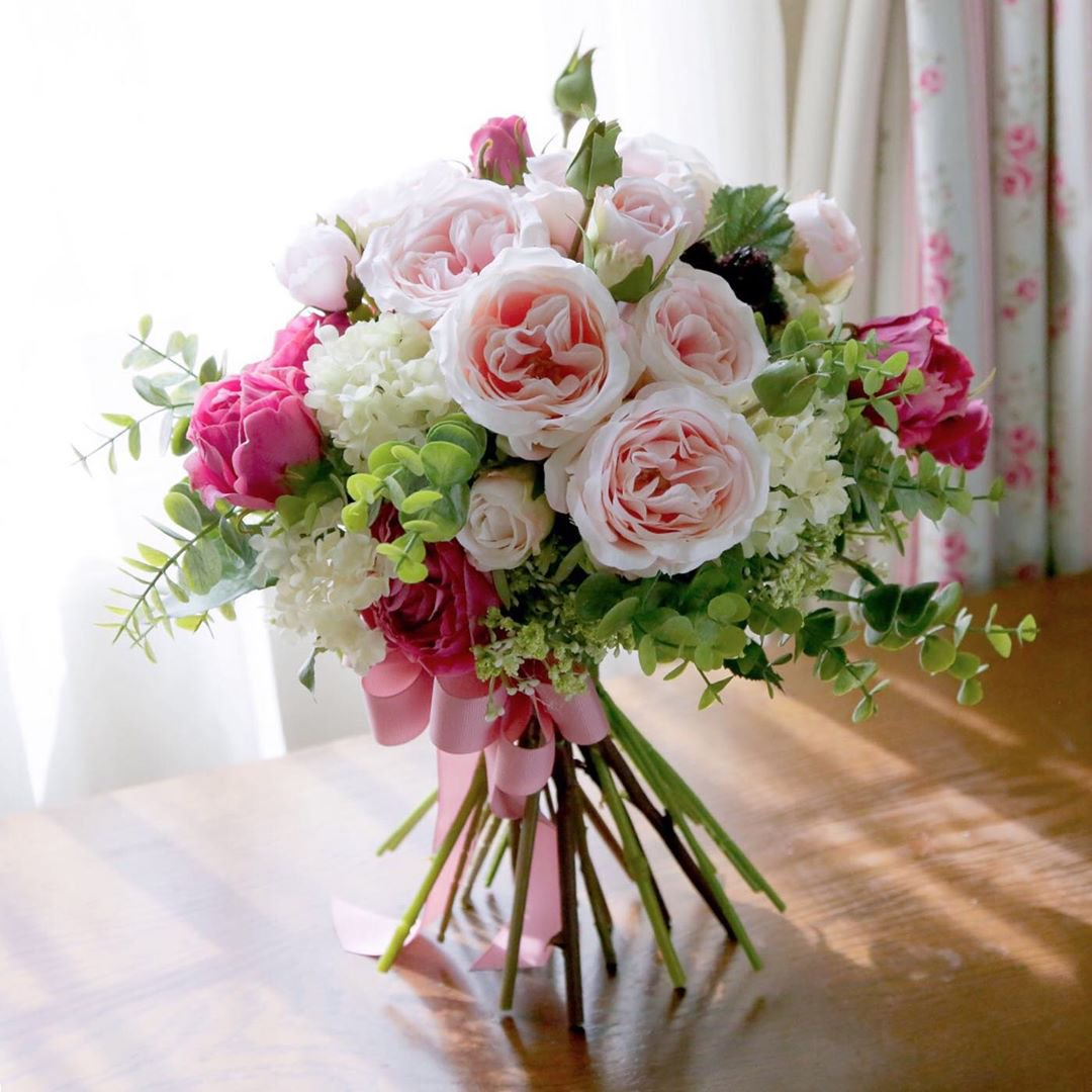 いつまでも幸せに ピンクのオールドローズ 高級造花のクラッチブーケ