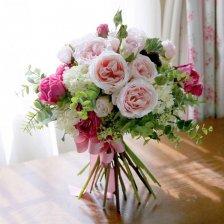 いつまでも幸せに ピンクのオールドローズ 高級造花のスパイラルフラワーブーケ