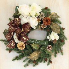 ダークグリーンのモミと木の実 上品なホワイトローズのクリスマスリース