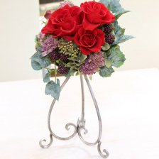 深紅のバラとベリーのラウンドアレンジメント プリザーブドフラワー