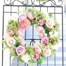 ペールピンクのバラ 大きな高級造花のフラワーリース