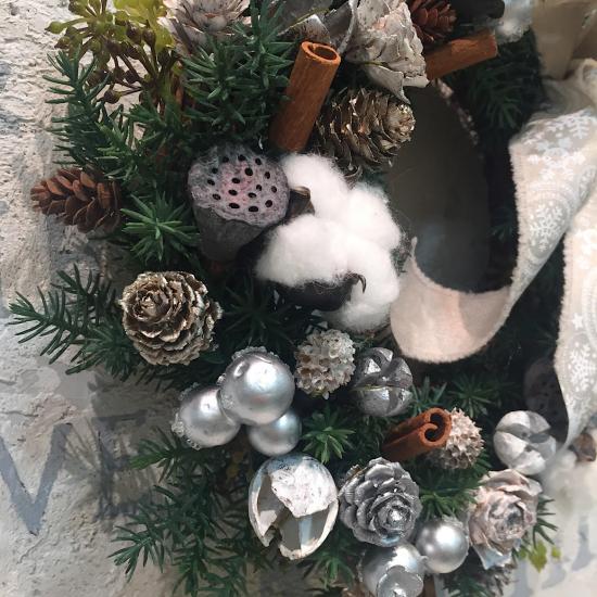 ホワイトの実物たっぷりのクリスマスリース※ギフトタイプ4