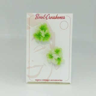 Tiki flower stud errings-Green & white