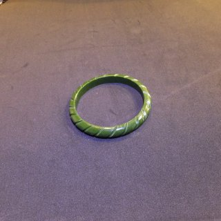 Iris Twisted Carved Fakelite Bangle