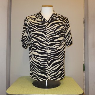 <img class='new_mark_img1' src='//img.shop-pro.jp/img/new/icons20.gif' style='border:none;display:inline;margin:0px;padding:0px;width:auto;' />Zebra Open S/S Shirt