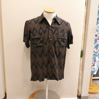 <img class='new_mark_img1' src='//img.shop-pro.jp/img/new/icons20.gif' style='border:none;display:inline;margin:0px;padding:0px;width:auto;' />Ball Chain Print SS Rayon Shirt