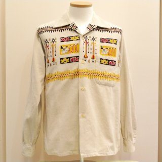 <img class='new_mark_img1' src='//img.shop-pro.jp/img/new/icons6.gif' style='border:none;display:inline;margin:0px;padding:0px;width:auto;' />Style Eyes Corduroy Shirt TRIBE MOTIFS