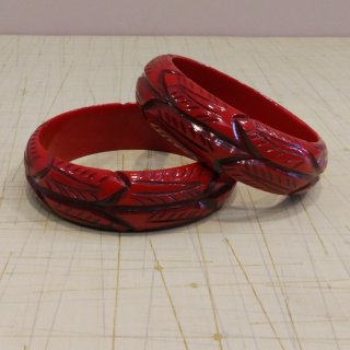 <img class='new_mark_img1' src='//img.shop-pro.jp/img/new/icons6.gif' style='border:none;display:inline;margin:0px;padding:0px;width:auto;' />Burnt orange Leaf bangle
