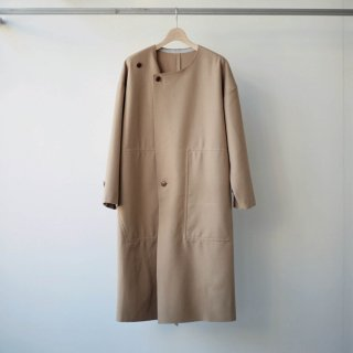 CITY / no collar over coat - reflect