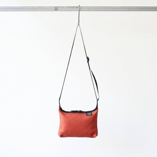 <img class='new_mark_img1' src='https://img.shop-pro.jp/img/new/icons54.gif' style='border:none;display:inline;margin:0px;padding:0px;width:auto;' />20/80 - SHRINK LEATHER SMALL SHOULDER BAG (ORANGE)