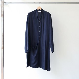 THEE - drape band collar gown (navy)