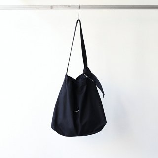 BREATHE. (ever so soft) - INSTRUCTION RING SHOULDER BAG (BLACK)